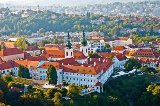 czechrepublic-visa-travler-city-visit